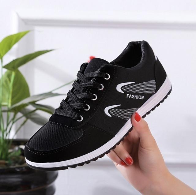 sản phẩm giày sneaker nữ kiểu hàn quốc mã G02 đang được bán tại AH STORE
