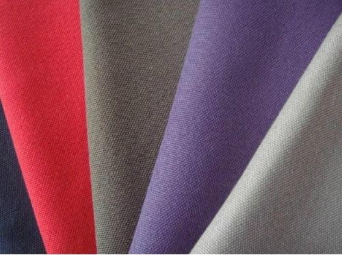 Loại vải polyester cần kết hợp với loại vải tự nhiên khác để người mắc trổ nên thoải mái hơn.